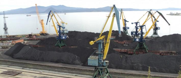 Уголь в торговом порту