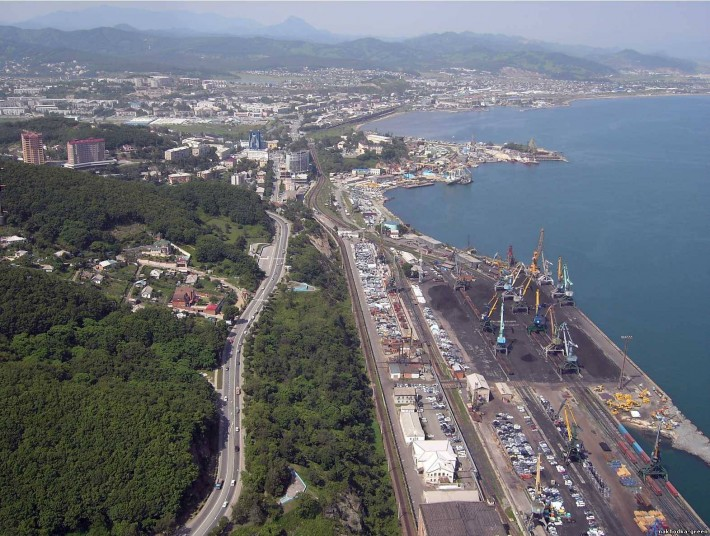 Причалы торгового порта