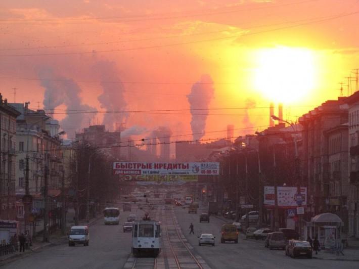 Алое дымное небо Нижнего Тагила