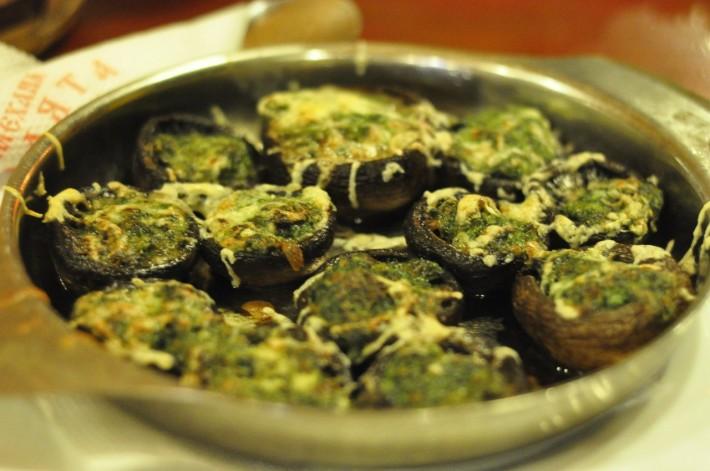 Вкуснейшие грибы с сыром и шпинатом