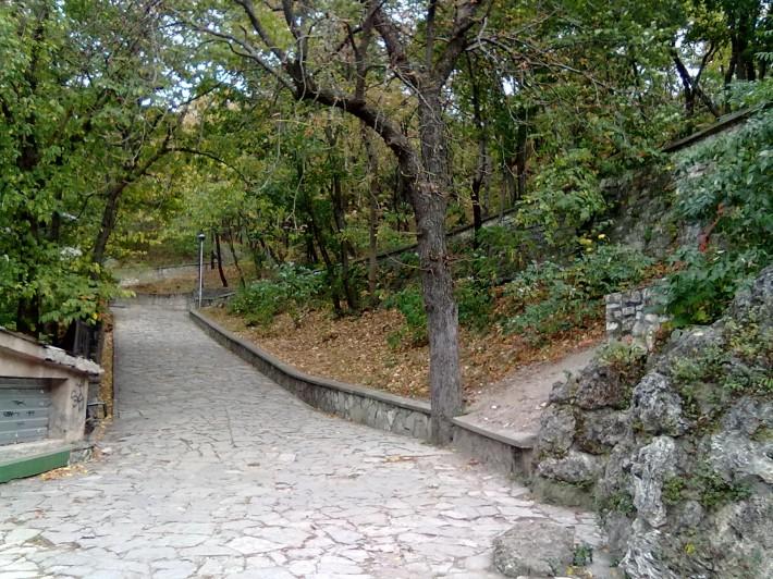 Живописные парки не просто радуют глаз, но и воздух здесь прекрасен