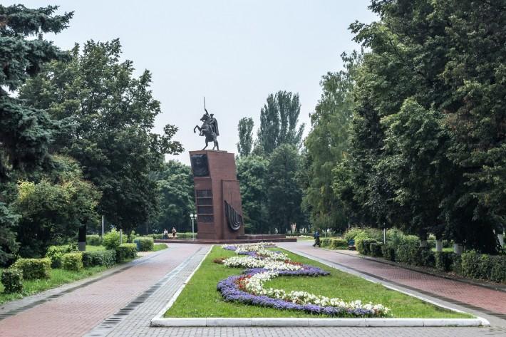 Памятник Чапаеву в Чебоксарах