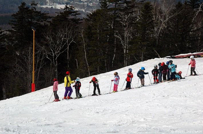 Жители Южно-Сахалинска с детства приучаются к зимним видам спорта