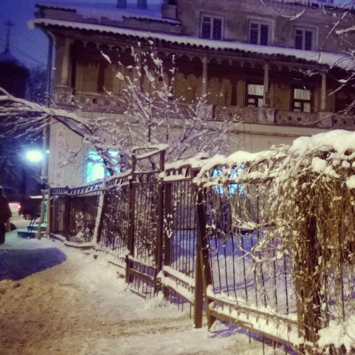 Зимняя сказка: много снега и тепло