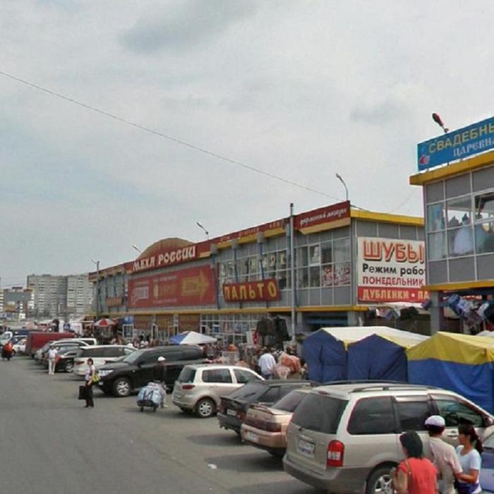 Таганский ряд, рынок на Сортировке. Шумное, грязное место