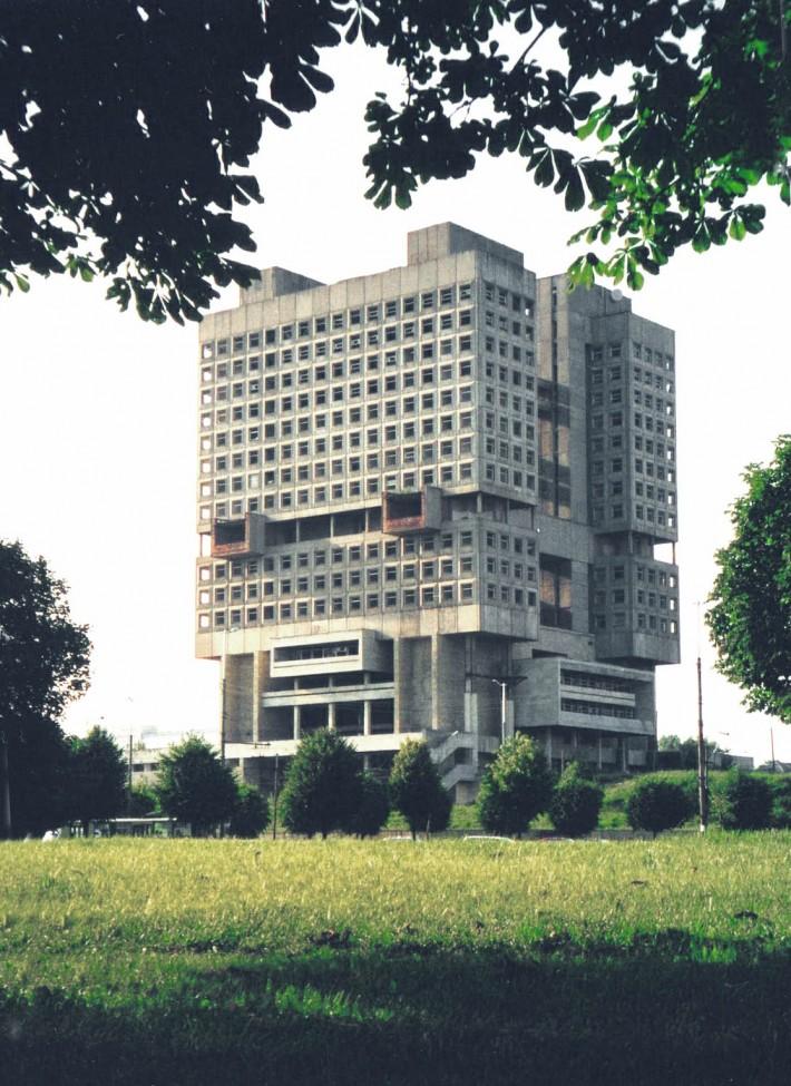 Главная достопримечательность наоборот — недостроенный Дом Советов