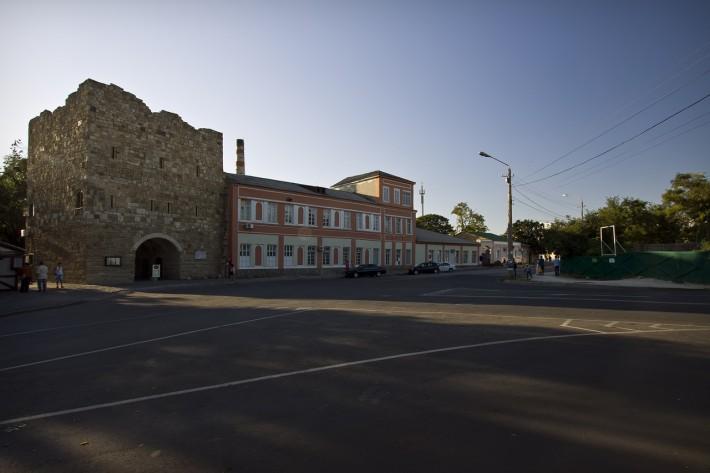 Крепостные ворота Гезлева