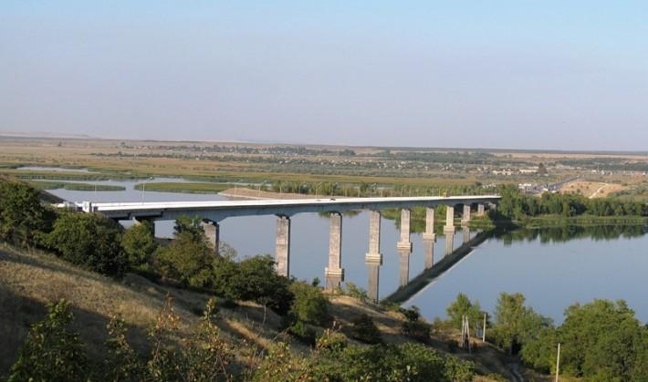Мост через Дон в районе Калача-на Дону