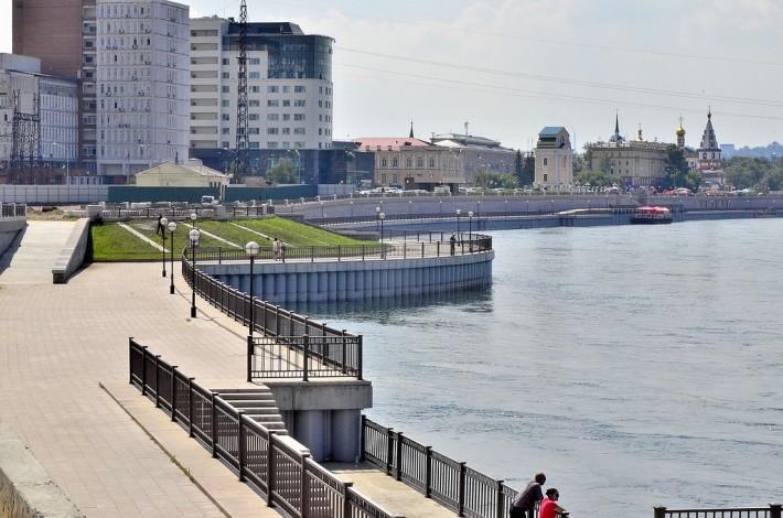 Набережная реки Ангара в Иркутске