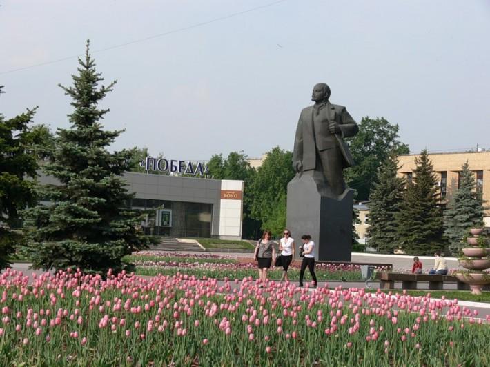Центральная площадь города, городская администрация