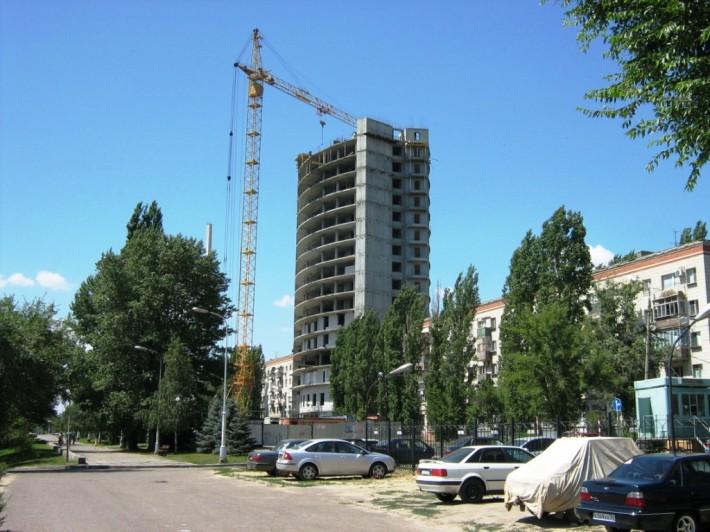 Строительство в Волгограде идет полным ходом