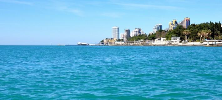 Черное море в хорошую погоду ничем не хуже океана с белым песком