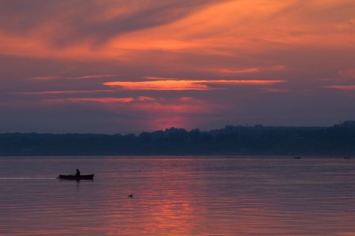 Побережье Азовского моря на закате