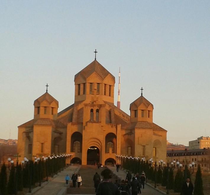Церковь в Ереване (фото сделано в мой следующий приезд в этот город, зимой)