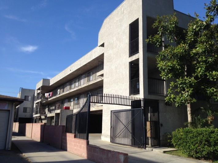 Дом, в котором мы жили в Глендейле (Глендейл, штат Калифорния, США)