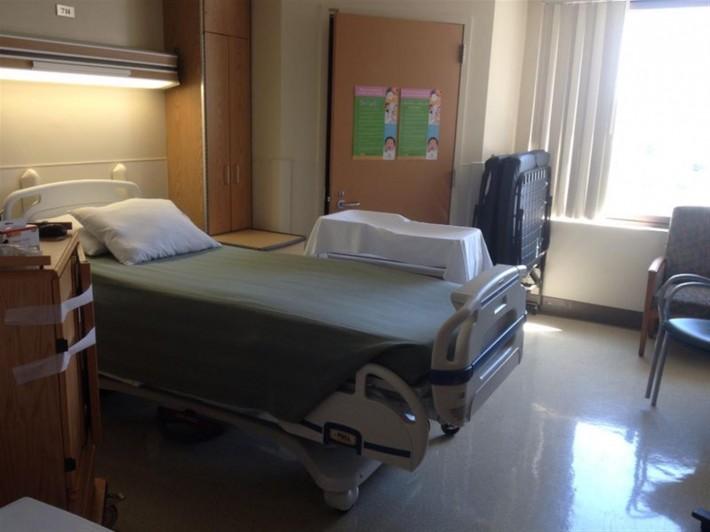 Родильная палата в Голливудском пресбитерианском госпитале (Лос Анджелес, штат Калифорния, США)