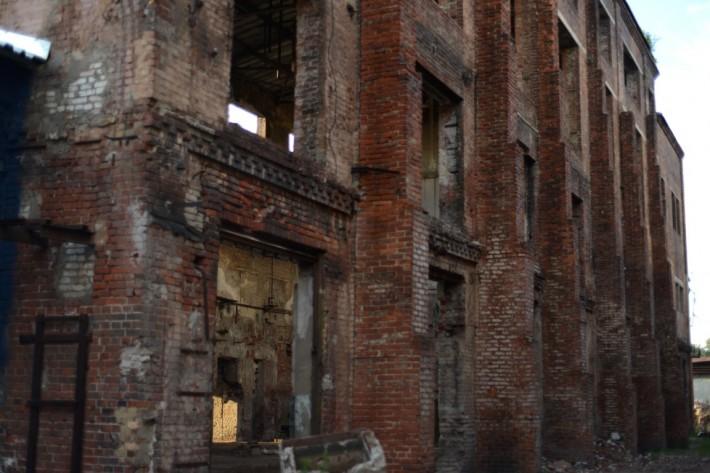 Один из цехов бывшего Завода Ухтомского, 2012 год