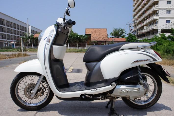 Мотобайк — главное средство передвижения в Таиланде