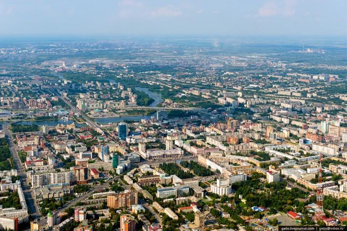 Челябинск занимает 9 место в списке городов России по численности населения — 1,130 млн. человек.