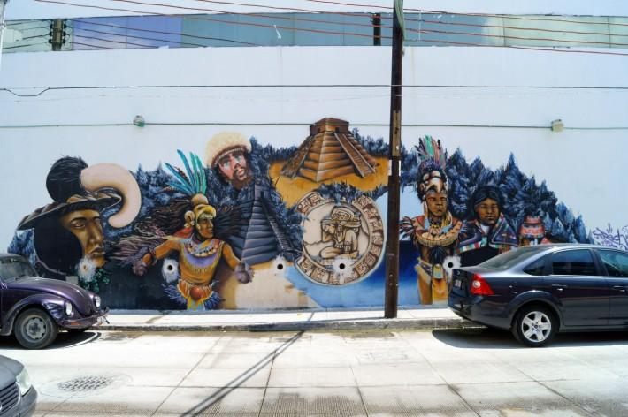 В Мексике много граффити