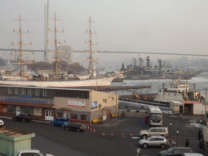 Вид с морского вокзала г. Владивосток