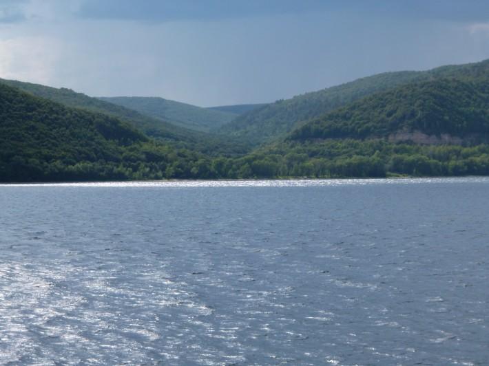 Шикарный пейзаж – река Волга