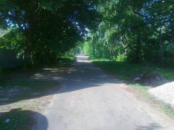И в Балашихе есть тихие улочки. В ста метрах от Носовихинского шоссе