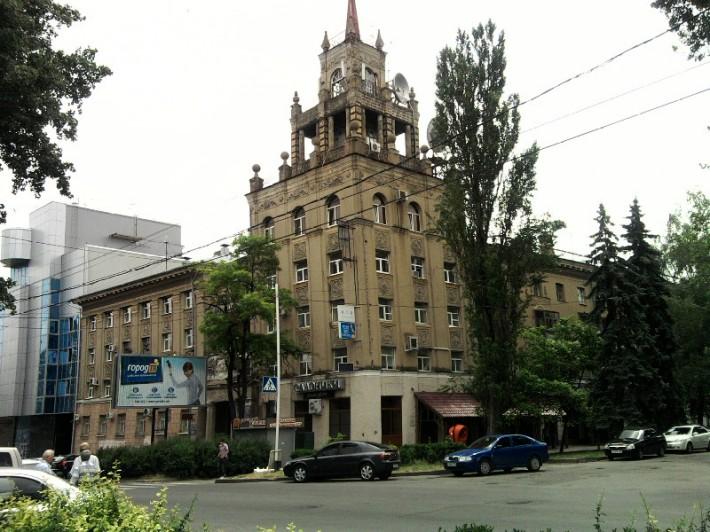 Центр Ставрополя, пересечение ул. Ленина и Проспекта Октябрьской революции