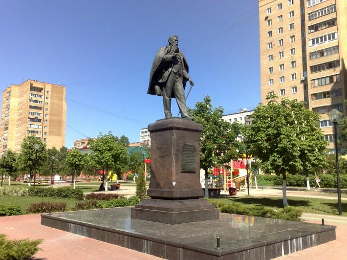 Памятник учёному Д.П. Рябушинскому