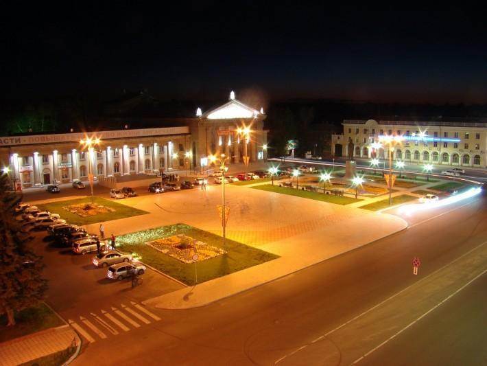 Площадь Ленина ночью