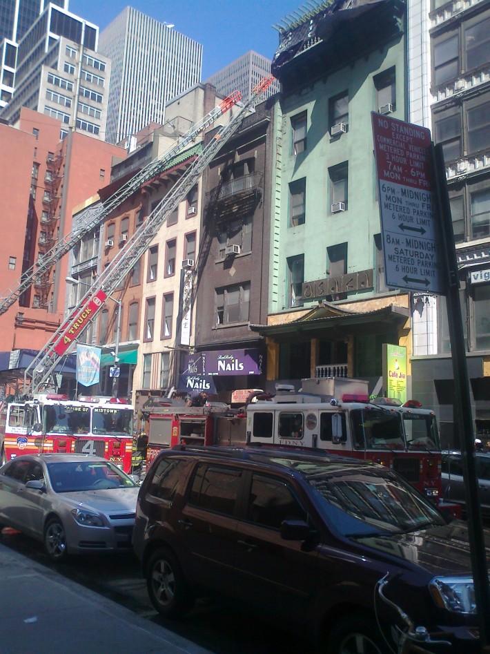 Удалось повидать знаменитые пожарные машины в процессе работы