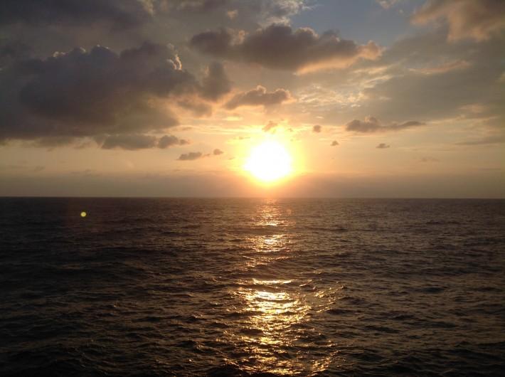Рассвет. Где-то между Мальтой и Сицилией