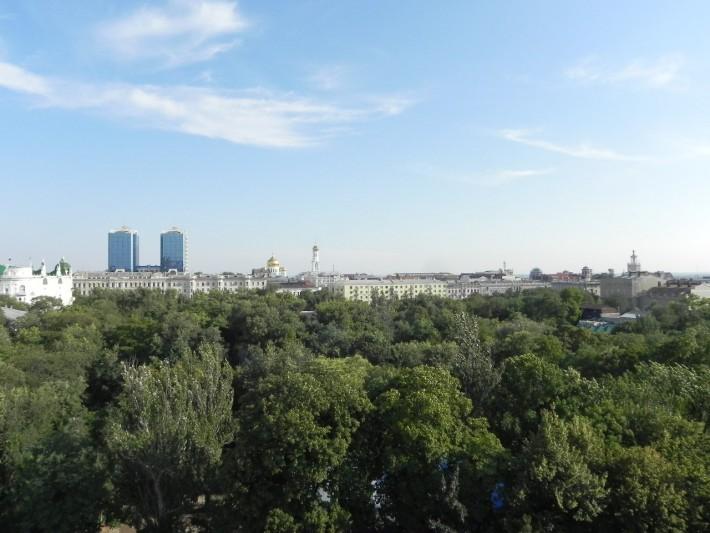 Вид на город с колеса обозрения