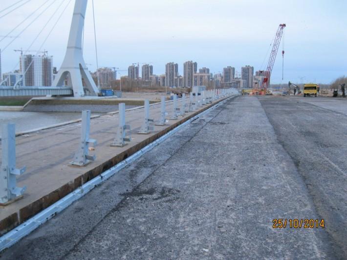 Новостройки на Ленинском проспекте. За мостом - Балтийская жемчужина
