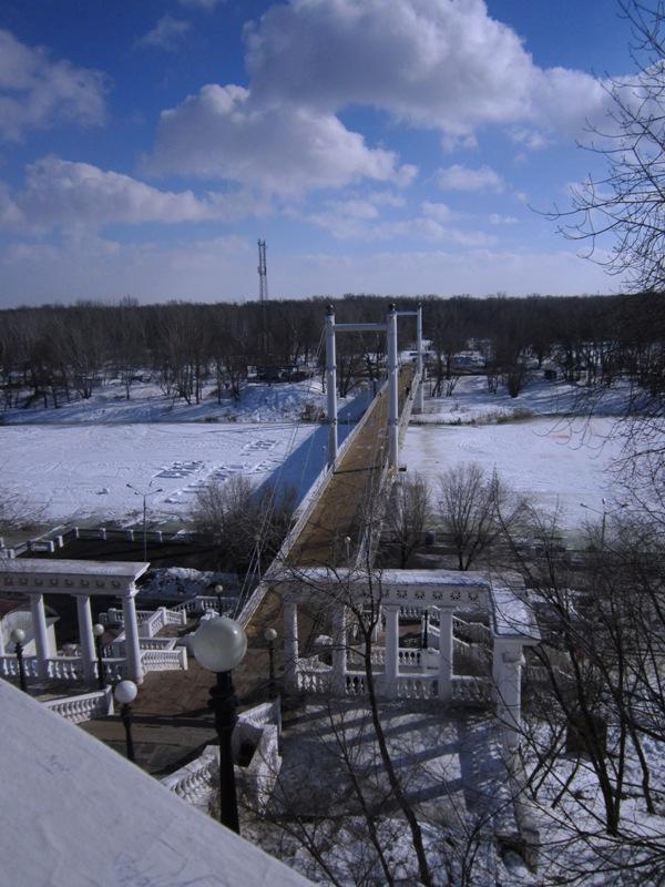 Мост через реку Урал