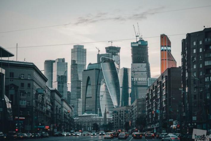 Вид на Moscow City с Большой Дорогомиловской улицы