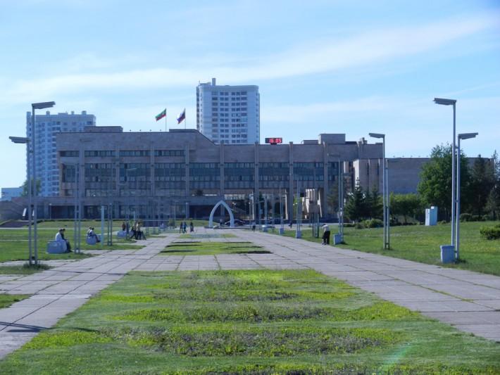 Сердце Набережных Челнов площадь Азатлык