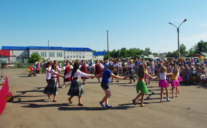 На празднике День села