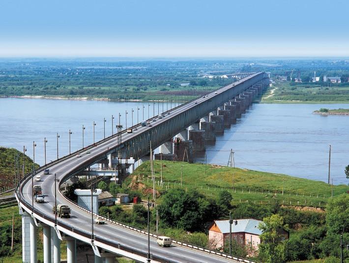 Знаменитый мост через Амур
