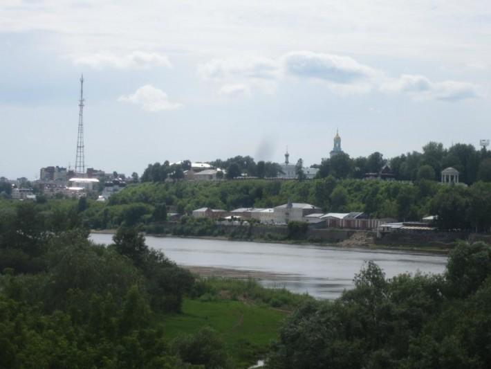 Киров стоит на высоком берегу реки Вятка