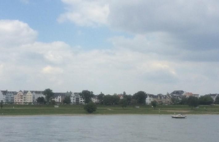 Левый берег Рейна Дюссельдорф