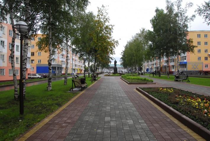 Аллея Комсомольского бульвара