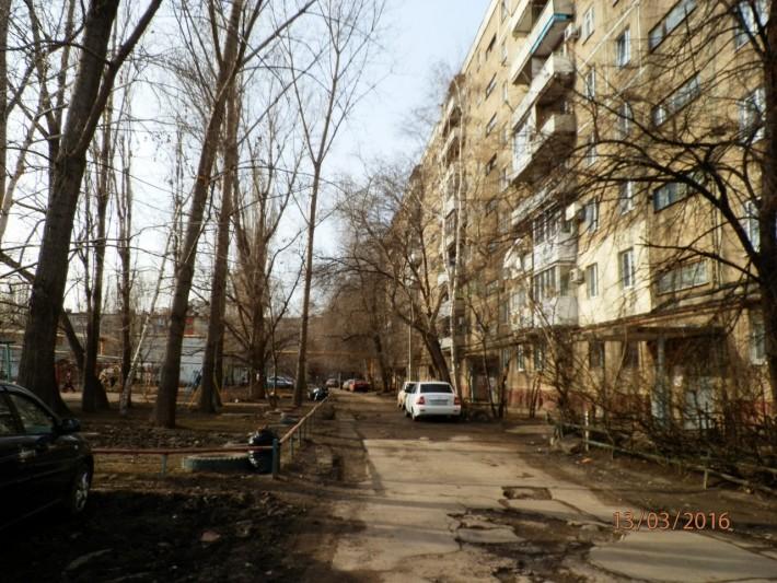Обычный двор по улице Льва Кассиля