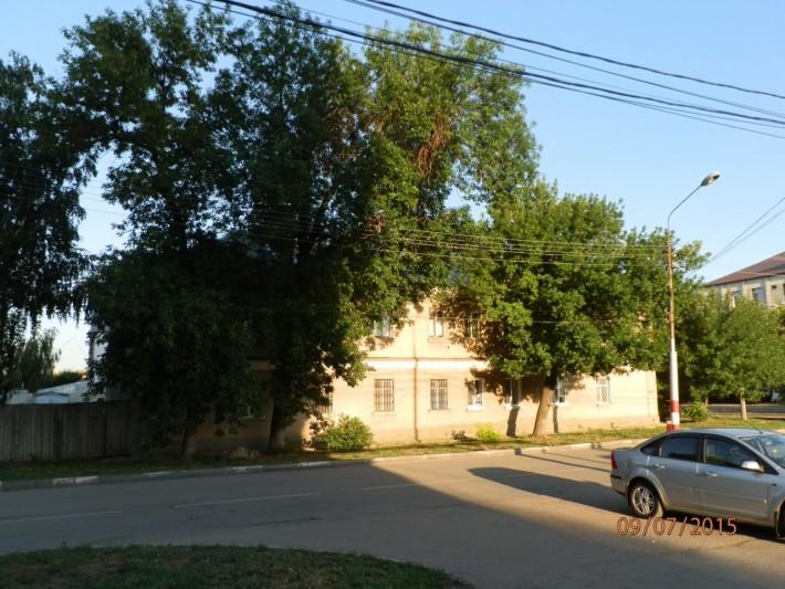 Двухэтажный дом, в котором мы снимали квартиру недалеко от набережной