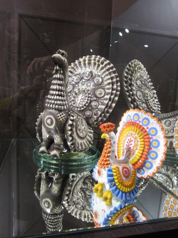 Символ города - Дымковская игрушка. Сейчас их делают не только из глины, но даже из шоколада