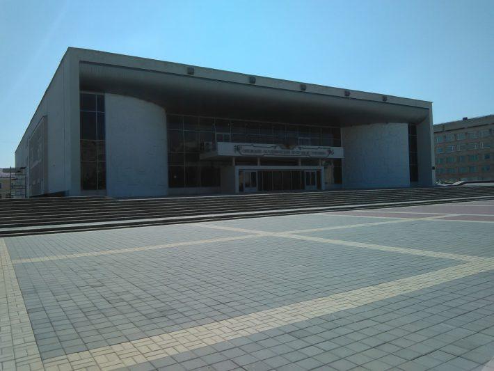 Академический театр - классика в искусстве и советский модерн в архитектуре.