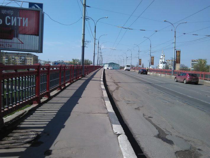 Мосту нужен ремонт. Срочно!