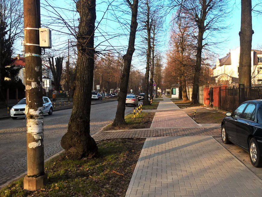 Район Верхнего озера. Улица Тельмана в середине марта
