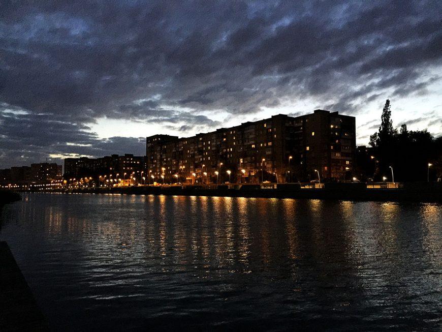 Вечерние панельки, река Прегель и набережная Трибуца
