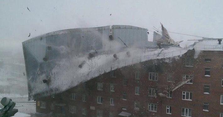 Дудинка: сорванная ветром крыша